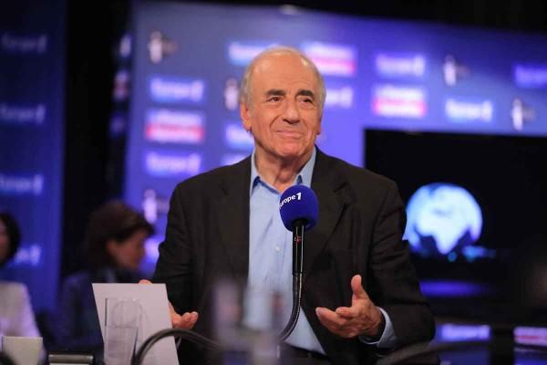 «J'écoute de temps en temps Jean-Jacques Bourdin. Lui aussi c'est un bon journaliste mais un peu prétentieux, non?», a interrogé son confrère Jean-Pierre Elkabbach, lors d'un entretien donné au Buzz TV Orange-TV Magazine.