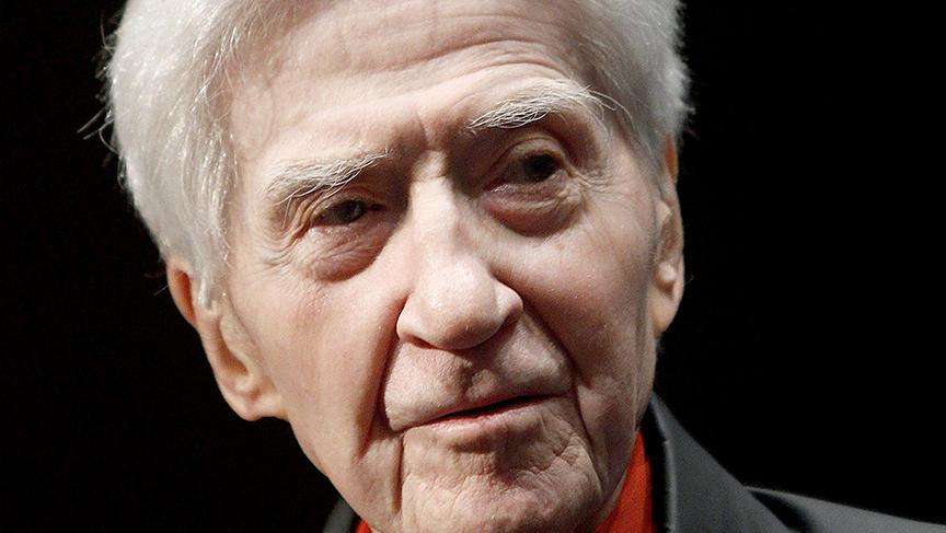 """Selon une annonce de son producteur Jean-Louis Livi, le réalisateur est décédé dans son appartement parisien à l'âge de 91 ans, """"entouré de sa famille""""."""