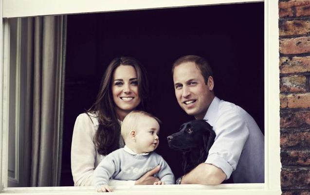Prince William, Catherine Prince George au au Kensington Palace, London