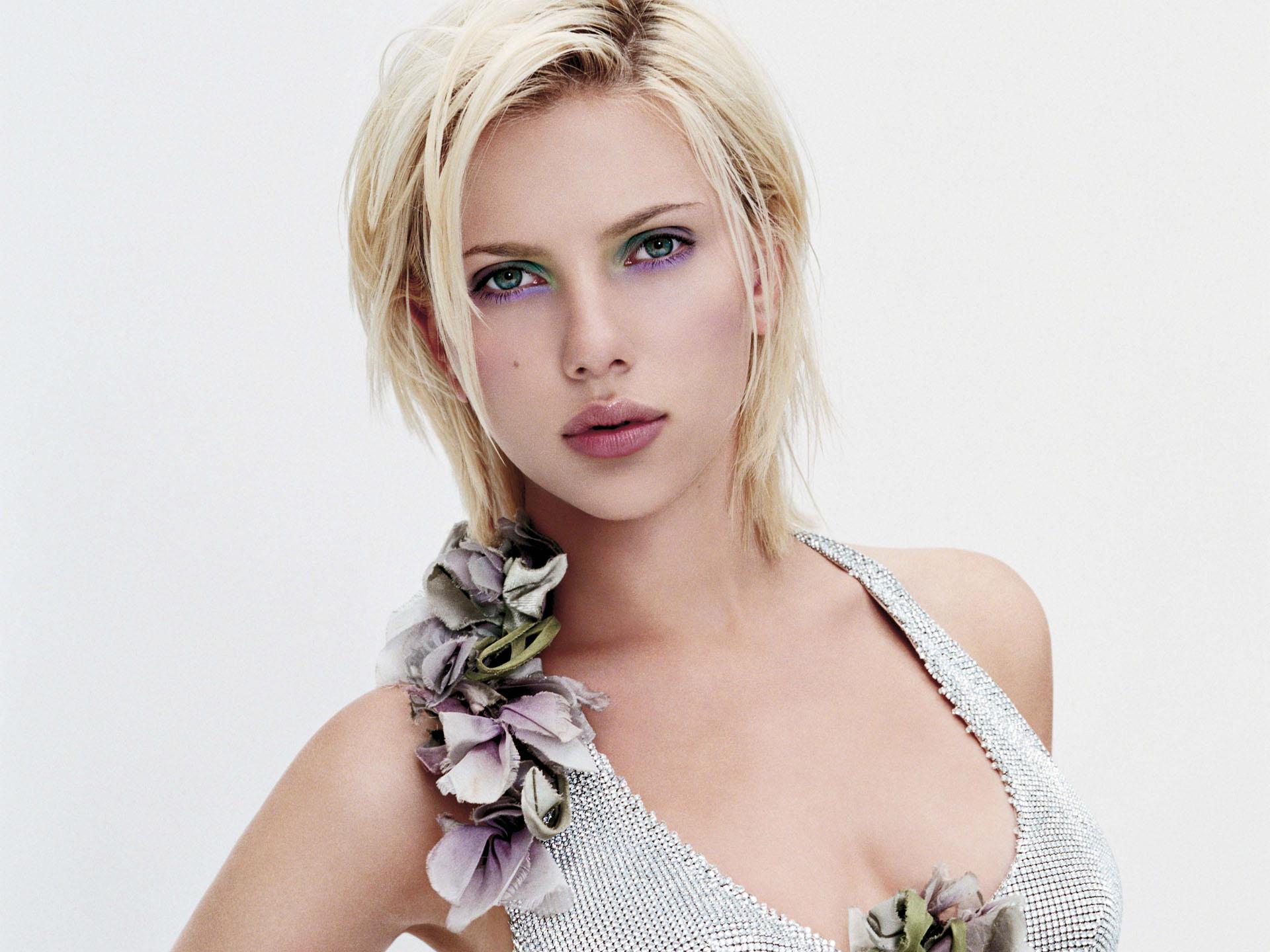 Scarlett Johansson et son mari français Romain Dauriac attendraient leur premier enfant