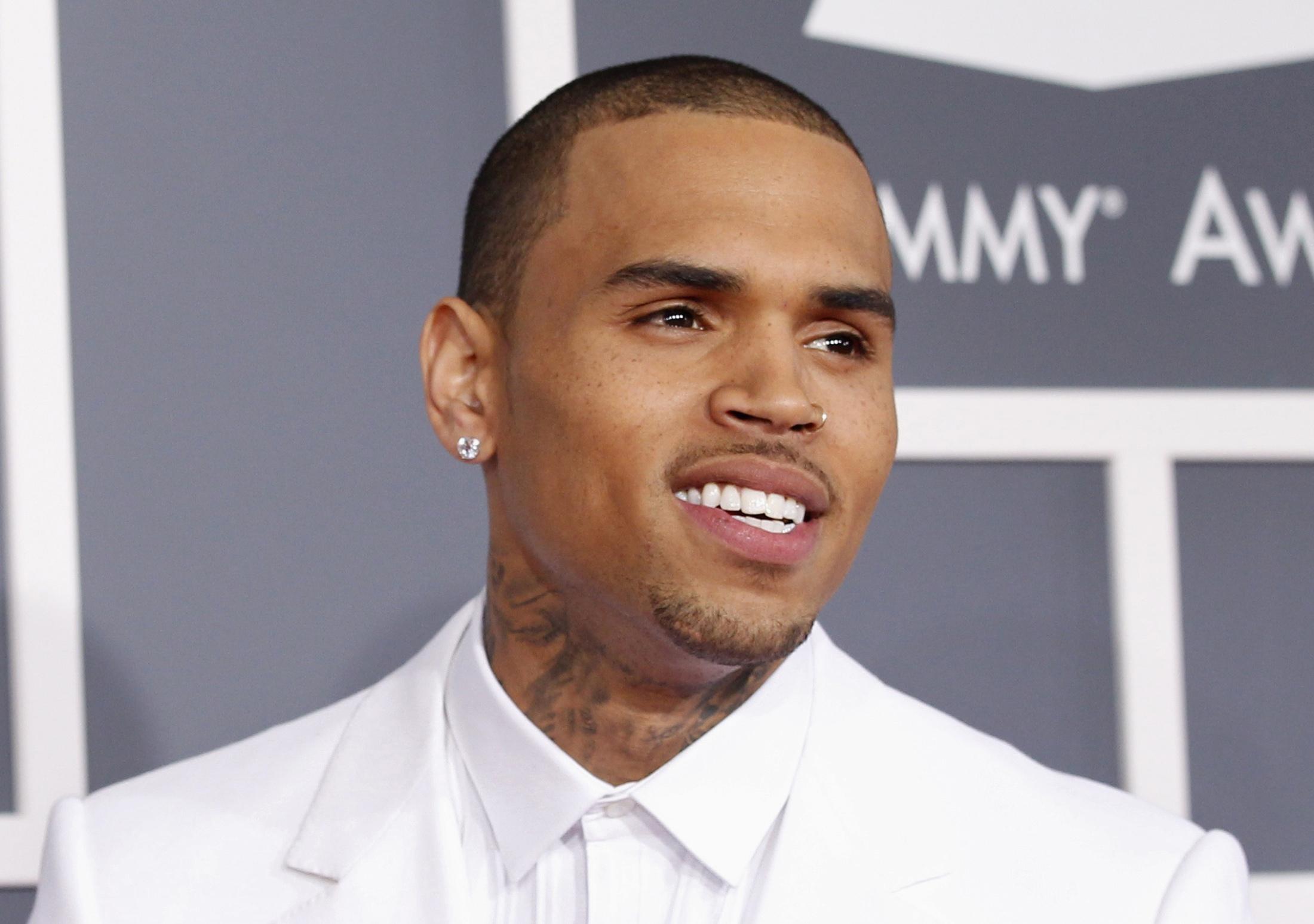Chris Brown, des messages à Rihanna ?