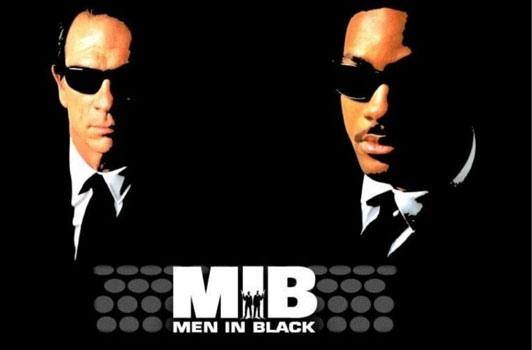 Constantino Basile, un étudiant de Los Angeles poursuit les auteurs du film Men in Black 3 en justice. Ces derniers lui auraient volé des idées qu'il avait développées dans l'un de ses devoirs.