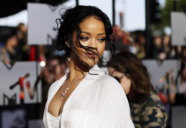 Rihanna snobe Lens pour Liverpool !