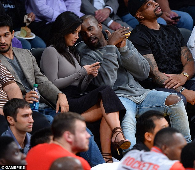 Kim Kardashian et Kanye West au Staples Center de Los Angeles