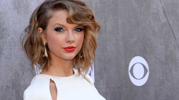 Taylor Swift explose les charts !