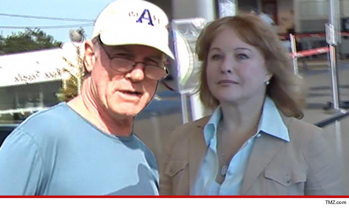 Faye Grant à Stephen Collins : « Tu ne demandes qu'à être incarcéré, Stephen »