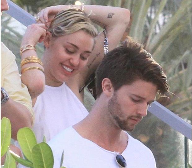 Miley Cyrus et Patrick Schwarzenegger en couple