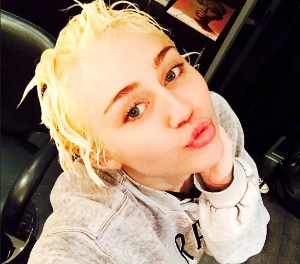 Miley Cyrus rêve des abdos de Justin Bieber !