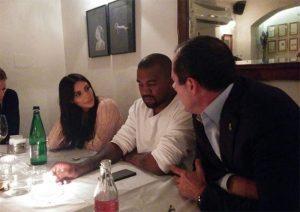Kim et Kanye originale dans un restaurant de Jerusalem