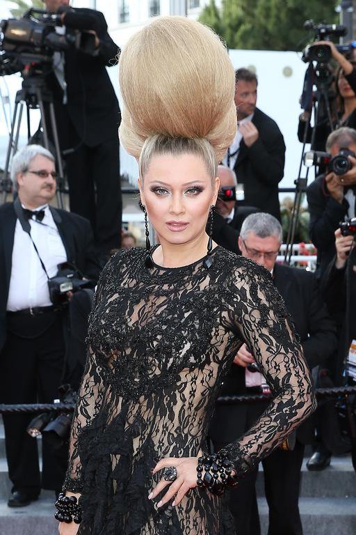 Festival de Cannes 2015 : Elena Lenina, un chignon monumental !