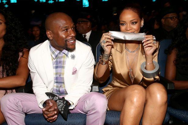 BET Awards 2015 : Rihanna contraint Floyd Mayweather au silence !