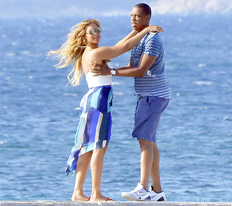 1442357311_beyonce-jayz-vacation-article