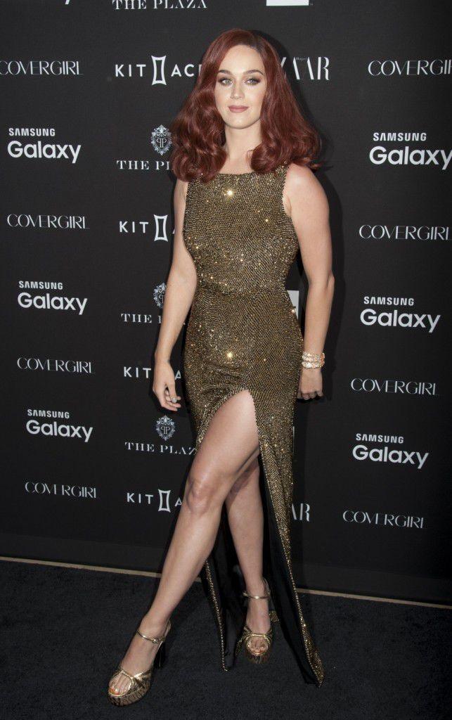 Photos-Katy-Perry-beaute-fatale-avec-sa-nouvelle-couleur-de-cheveux-!_portrait_w674-5