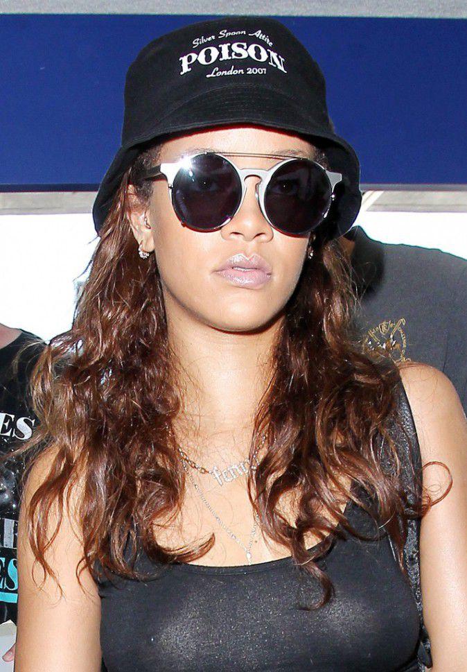 Rihanna-le-24-septembre-2015_portrait_w674