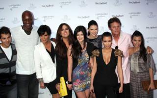 Les Kardashian/Jenner inquiets pour Lamar Odom se sont rendu à son chevet à Las Vegas ou il été hospitalisé après avoir été rétrouvé inconscient dans une maison close au Nevada