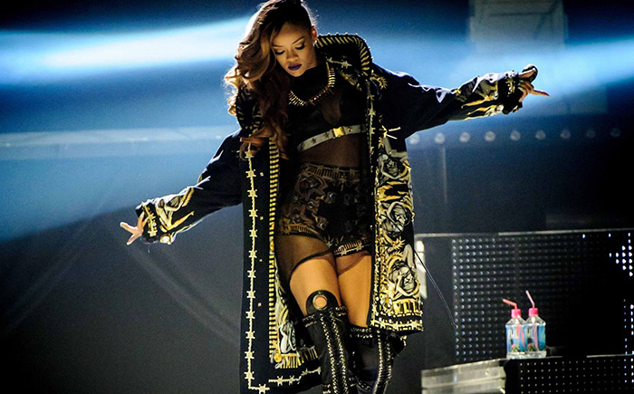 Rihanna sera à la Victoria's Secret Fashion Show 2015