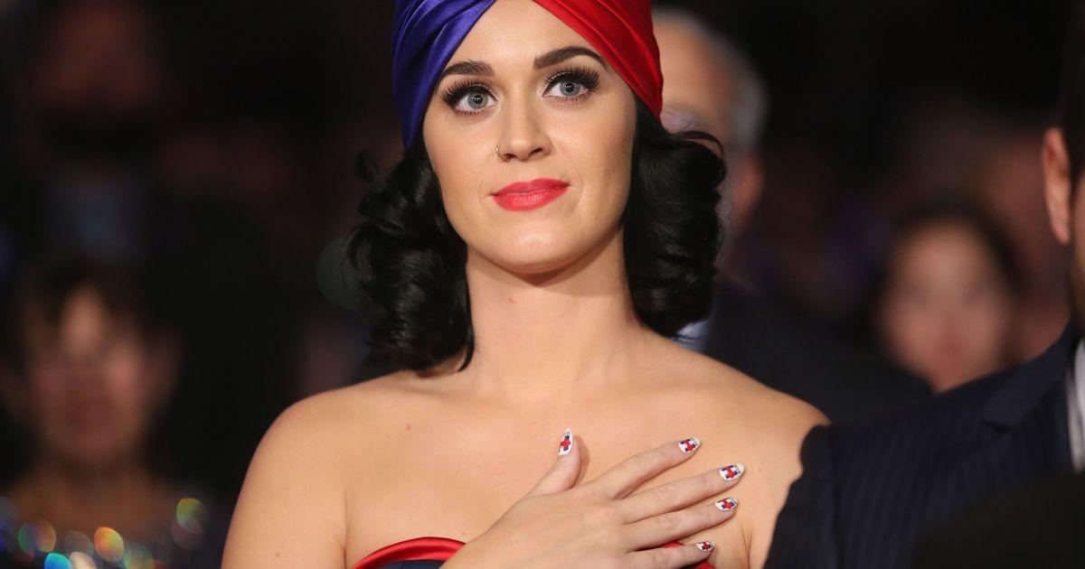 Katy Perry a offert un collier avec l'inscription POTUS à Hillary Clinton pour ses 68 ans