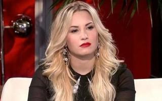 Atteinte de troubles bipolaires, Demi Lovato décrit son père dans sa chanson father comme un mauvais père