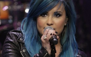 Demi Lovato embarrassée par un fan, refuse de lui signer un autographe
