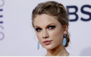 Selon The U.K's Express, Taylor Swift touche environ 1 million de dollars par jour
