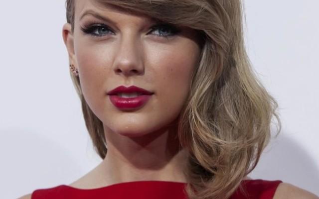 Taylor Swift porte plainte contre David Mueller, un animateur qu'elle accuse de l'avoir tripotée !