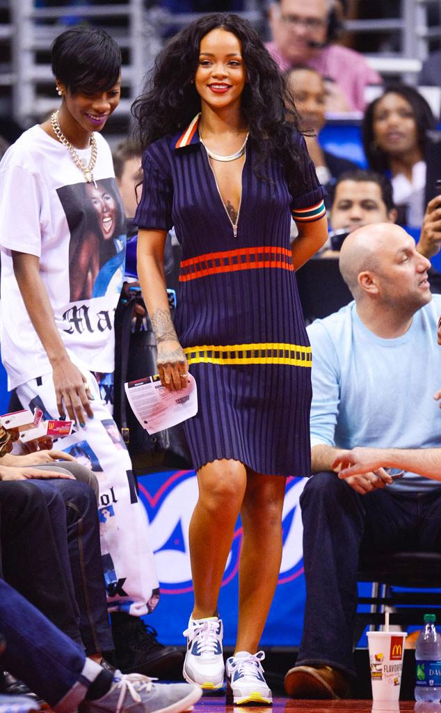 Rihanna dans sa belle robe bleu