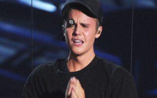Justin Bieber ému après sa prestation aux MTV VMA 2015 fond en larmes