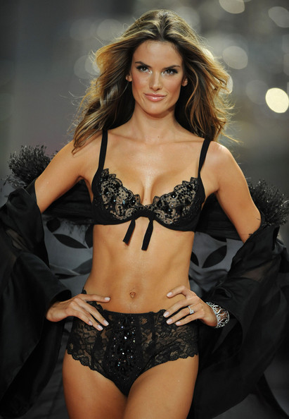 Alessandra+Ambrosio+Pajamas+Intimates+Lingerie+aXV1sK8D3u2l