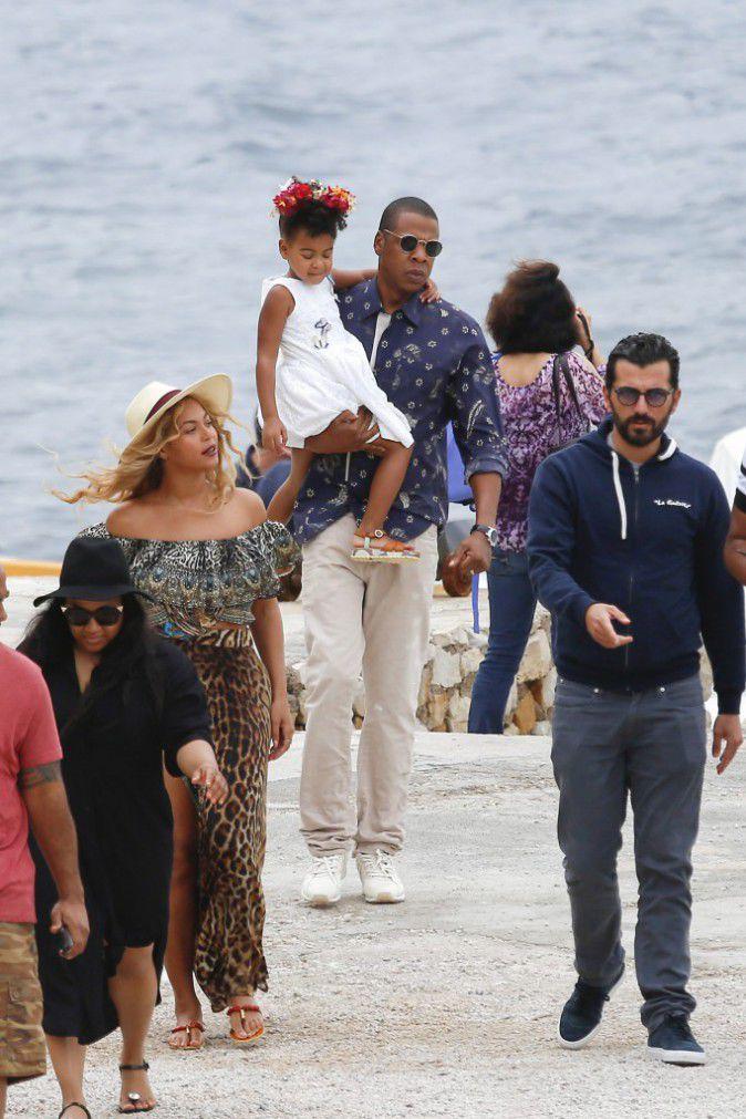 Beyonce-Jay-Z-et-Blue-Ivy-le-16-septembre-2015_portrait_w674