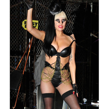 lady-gaga-a-new-york-en-promo-de-born-this-way-10465350hrytb_2041