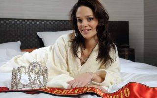 Miss Belgique 2010 complexée par la taille de ses seins lance un vote avant de se faire operer