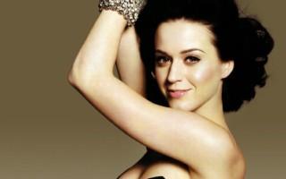 Katy Perry invitée sur scène par Madonna s'est faite fessée par la reine de la pop et ses danseurs