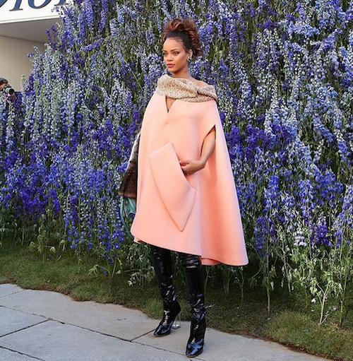 Photos-Fashion-Week-de-Paris-Rihanna-egerie-parfaite-pour-Dior_portrait_w674-1