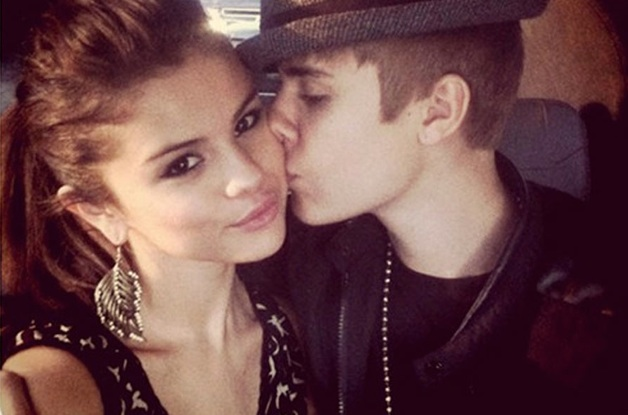 Le titre Strong de Selena Gomez en featuring avec Justin Bieber a été dévoilé le samedi dernier sur les ondes de OVO Sound Radio. Un signe pour de nombreux fan du duo d'un retour du couple