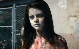 Selena Gomez croit aux fantômes et sa methode pour les détecter est une application téléchargée dans son smarthphone