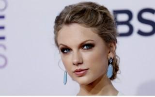 Selon The U.K's Express, Taylor Swift touche environ 1 million de dollars par jour
