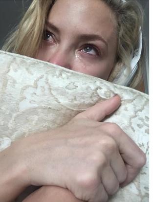 Kate Hudson en larmes après avoir écouté Hello